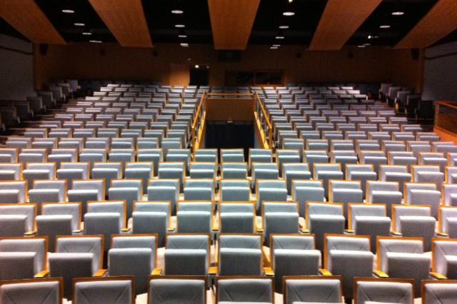 auditorium-meribel-min